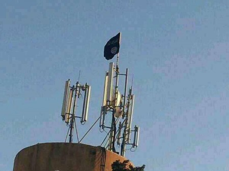 ISIS flag flies over Jarabulus, Syria
